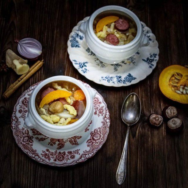 Herbstliche Gemsesuppe mit Marroni und Sptzli Dank Gewrzen wie Zimthellip