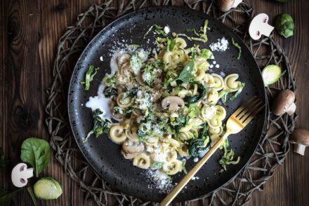 Herbstliche Pasta Pastagericht mit Pilzen Röslichöhl und Spinat Rezept Herbstpasta Herbstliches Pastagericht