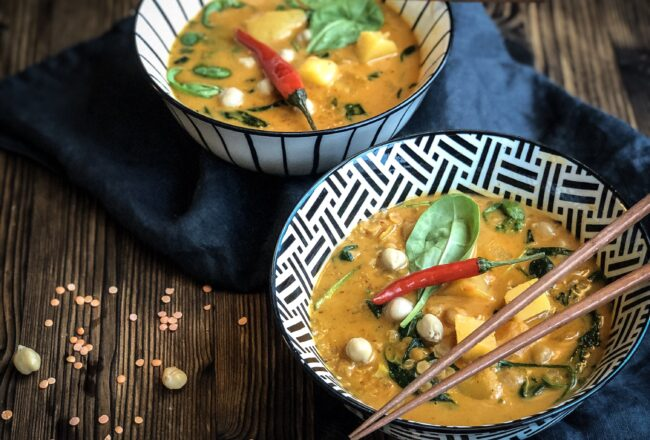 Schnelles Linsen Curry Vegan Rezept Herbstrezept Kürbisrezept Kichererbsen Rote Linsen Red Curry Blitzrezept Blitzküche Rezept Linsencurry