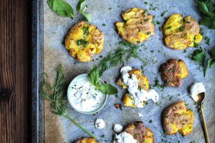 Smashed Potatoes Rezept Resteverwertung Raclettekartoffeln Resteverwertung Pellkartoffeln Reste verwerten Kartoffeln